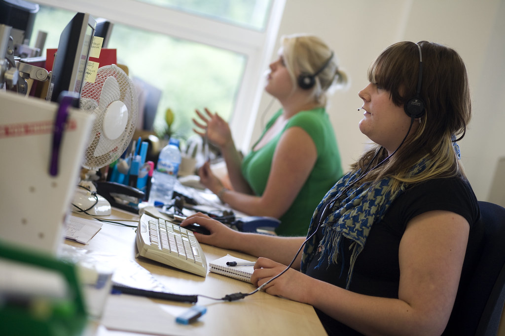How can a call handling service provider help your business to grow?